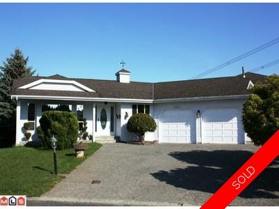 Central Abbotsford House for sale:  3 bedroom 2,518 sq.ft.